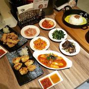 [台中♥東區 ]北村豆腐家(秀泰店)。豆腐煲。鐵拌飯。韓料理。五種韓式小菜免費任你吃