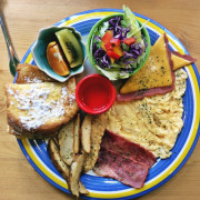 『早午餐』台中南屯「頌膾Brunch」 一家小清新彩虹風格的簡餐店