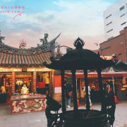 台北 大稻埕 │ 一起漫步百年風華迪化街、喝霞海城隍廟月老加持的大盜陳月老奶茶跟烏魚子奶蓋