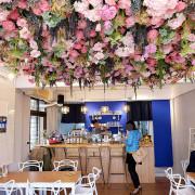 【台中西區】愛我的咖啡CAFE Alfred-台中滿滿粉紅花朵浪漫氛圍咖啡館.咖啡鬆餅早午餐義大利麵.近向上市場.鞋全家福旁巷子進去