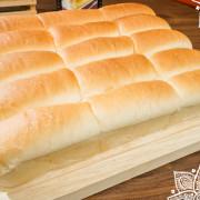 台中美食 | 安可喬治龍蝦螃蟹美式海鮮餐廳 / 口感絕佳的LoRo手作麵包  令人滿足不已的感動