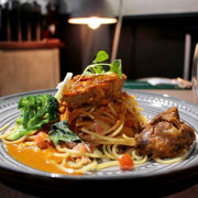 台中東海商圈,N.N. Thai Thai 巷弄裡的泰式風味餐館。 - 微笑Joe幸運