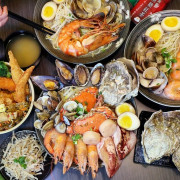 台中首見巨無霸痛風拉麵!手掌大生蠔、螃蟹、透抽8種海鮮全下,內用免費加麵、麥茶暢飲