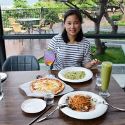 新竹竹東親子寵物友善餐廳推薦》卡菲努努景觀餐廳CafeNuNu。無國界料理好多選擇,園區有沙坑,還有梅花鹿可以觀賞