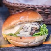 [台北大安]CP值超高!100%手打純和牛漢堡不用200元! Wagyu Burger和牛漢堡 - 大手牽小手。玩樂趣
