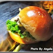 【台北大安區】《WAGYU BURGER》美式漢堡專賣店☆業界唯一、全台最狂100%純和牛漢堡(每日限量150份)●大口吃、大滿足的爆漿噴汁漢堡!!