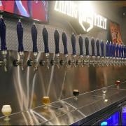 台中啤酒餐廳。掌門精釀啤酒文心店。世界啤酒金牌獎24支酒頭加上義式海鮮料理 餐與酒都讓人驚艷