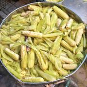 【 台南 ‧ 中西區 】鄭記玉米 百年東菜市場裡的人氣小吃 每隻玉米香甜又Q彈