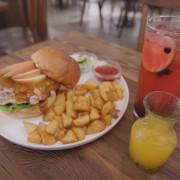 Waku Waku Burger わくわく -日和洋食早午餐、日式漢堡,都是質樸的美味。
