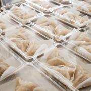 三角水晶餃-雲林斗六新興手工美食  小小一顆飽足感十足  手工現作的古早味大size水晶餃  晚來可是吃不到