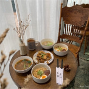 | 高雄美食 | 溫暖復古的絕美麵店/吃麵也可以很優雅/IG爆紅打卡景點/裹麵