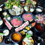   台南美食   六人御皇套餐超澎湃還有活體波士頓龍蝦超新鮮/貳鍋三新精緻鍋物
