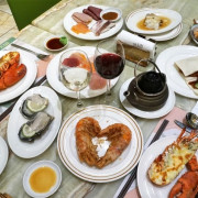 ★高雄鼓山★【林皇宮森林百匯】高雄自助餐吃到飽推薦/史上最奢華吃到飽餐廳。