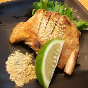 【美食】台中大里區。築也日本料理店(益民店)@ 東榮路與益民路路口。雞腿蓋飯。沙拉。手卷。壽司。