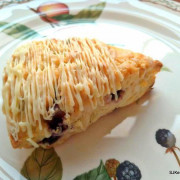 (台北捷運板南線市政府站周邊巷弄美食)「OMia Bakery 覓蕥烘焙室」--- 隱身巷弄的手工糕餅限量專賣店,打造你專屬的夢幻甜點。