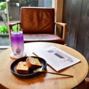   高雄美食   巷弄裡的質感白色咖啡店/充滿設計感的舒適環境/不限時咖啡廳/Beetle Tree Cafe/科工館站美食