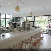 Lagom 拉革姆啡社|黑白簡約時尚咖啡館【台北市】
