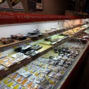[高雄火鍋] 吳董自助超市火鍋-大樂超市新鮮自助式火鍋餐廳/ 免服務費/ 超正宗叻沙湯頭