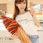 新竹甜點推薦可可德歐巧克力巨城快閃店,情人必送!超人氣黑雪公主霜淇淋跟法國高級可可巧克力- ㄚ綾綾單眼皮大眼睛