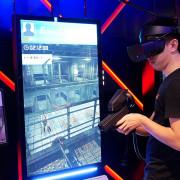 Box Taipei - 台北東區餐酒館推薦,台灣首間與VR結合的餐廳,桌遊、打鏢都玩膩了嗎? 趕快揪朋友來玩最潮的VR實境射擊,破紀錄再送一杯shot