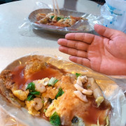 | 高雄美食 |想吃新鮮的蚵仔煎就是這家/蚵仔寮必吃/真材實料超好吃/八甲啊嬤蚵仔煎海產粥