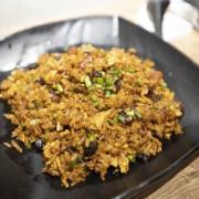 九記何燒臘的韭菜臘味炒飯,似乎戀上這一味