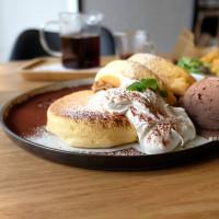 台中大里│朵朵雲-全天都吃的到日式厚鬆餅,寶雅隔壁 - 藍色起士的美食主義