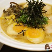 【食記】花蓮市 匠心食堂 濃郁湯頭夠味又美味的日式拉麵店 黑嚕嚕的墨魚拉麵好特別