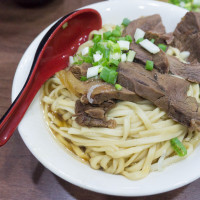 高雄市美食 餐廳 中式料理 麵食點心 港園牛肉麵 照片