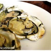 台中市美食 餐廳 餐廳燒烤 串燒 蠔愛癡岩烤生蠔小屋 照片