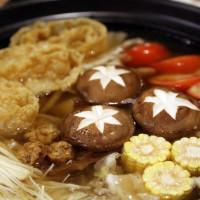 台中市美食 餐廳 火鍋 鼎爐東北酸白菜鍋 照片