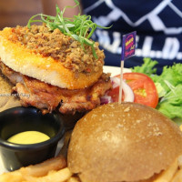 台北市美食 餐廳 異國料理 美式料理 Bravo Burger 發福廚房(市民店) 照片