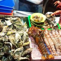 台北市美食 攤販 攤販燒烤 澎湖現烤活生蠔 照片