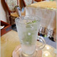 Shirley Huang在幸福王國庭園餐廳 pic_id=4762571