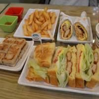 新北市美食 餐廳 中式料理 中式早餐、宵夜 皇室吉利堡 (溪尾店) 照片