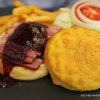 台中市美食 餐廳 異國料理 美式料理 WHAT'S BURGER 漢堡專賣 照片