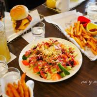 台中市美食 餐廳 異國料理 美式料理 大哥漢堡 照片