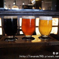 台南市美食 餐廳 飲酒 Lounge Bar 金色三麥 照片