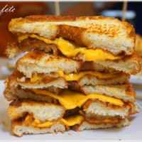 台南市美食 攤販 異國小吃 熱樂煎爆漿乳酪三明治 照片