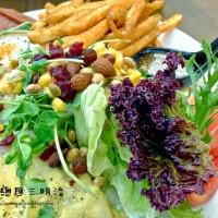 新北市美食 餐廳 異國料理 美式料理 豐滿總匯三明治 照片