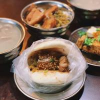 台北市美食 攤販 台式小吃 延三夜市 台北橋頭割包、四神湯、滷肉飯 照片