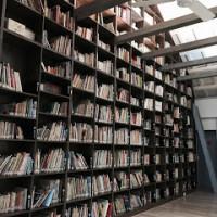 高雄市休閒旅遊 購物娛樂 書店 小房子書鋪 照片