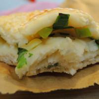 新北市美食 攤販 甜點、糕餅 老曾碳烤燒餅 照片