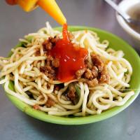 台中市美食 餐廳 中式料理 小吃 中正路無名炒麵豬血湯 照片