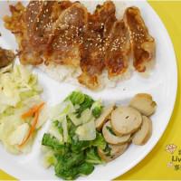 台北市美食 餐廳 中式料理 小吃 烤食煮盒 照片