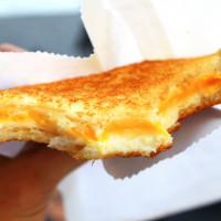 台南市美食 攤販 異國小吃 樂熱煎爆漿乳酪三明治 照片