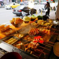 台北市美食 攤販 甜不辣、關東煮 高雄黑輪大王(士林夜市基河路店) 照片