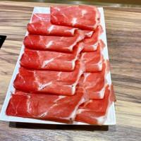 新北板橋x火鍋【武侍麻辣鍋】提供芝麻醬、不收服務費/ 特色湯頭不加價/ 蛤蜊雞腿+草飼低脂牛