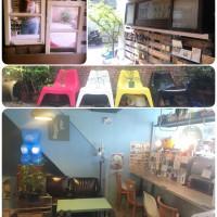 台北市美食 餐廳 咖啡、茶 咖啡館 小路上。 照片