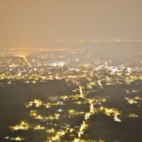 南投竹山秘境夜景,一次看到5縣市璀璨夜景,飲料30元起、正餐250元起-妮妮布魯